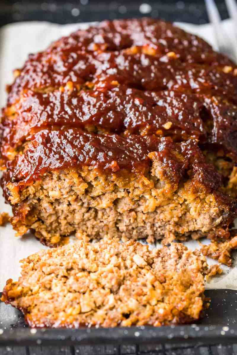 Close up of the inside of the cooked bacon meatloaf