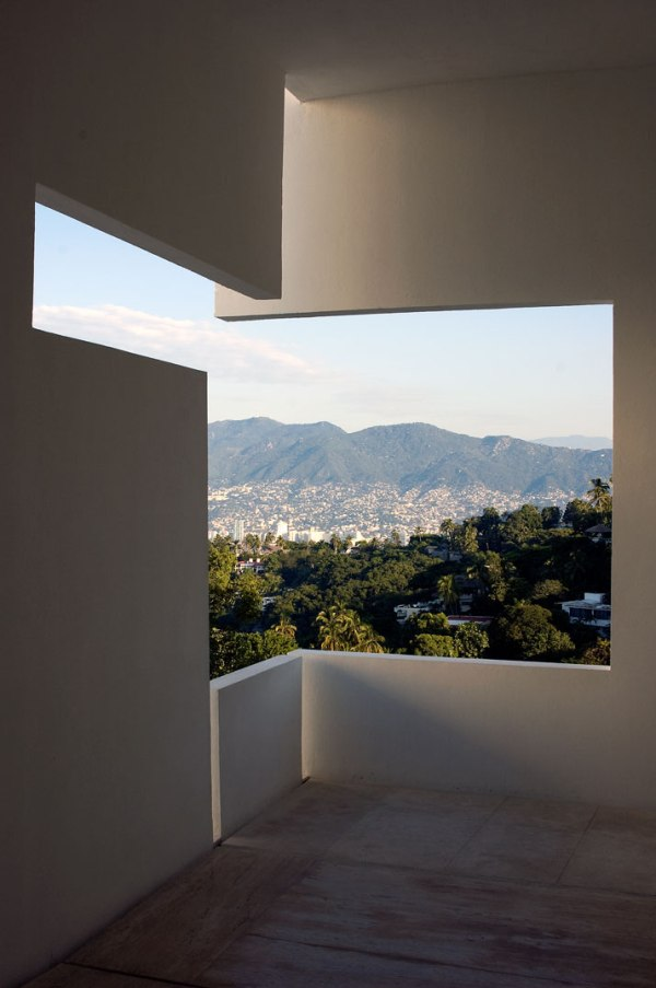 -Encanto-Hotel-на-Мигель-Angel-Арагонес-Акапулько-Мексика-архитектуры 10