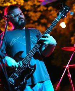 Chuck Action Bass