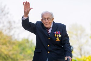 Fund-raising British WWII veteran Captain Tom hospitalized with COVID-19