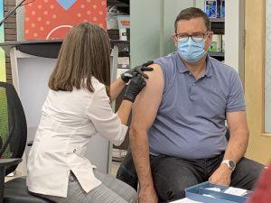 Saskatchewan health minister urges flu shot, faces questions about province's COVID-19 situation
