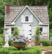 The Queen of Shabby Chic Gardens - Cottage Journal