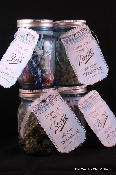 Mason Jar Wedding Favors With Free Printable Tags The