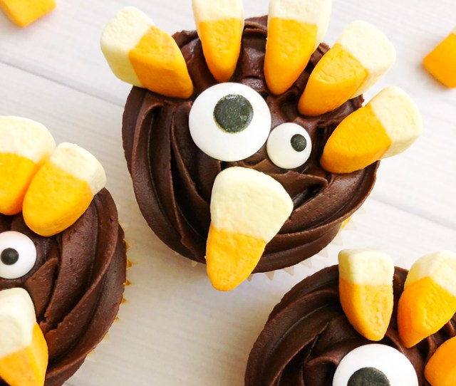 Make These Turkey Cupcakes For Your Thanksgiving Dinner Kids And Adults Alike Will Love These