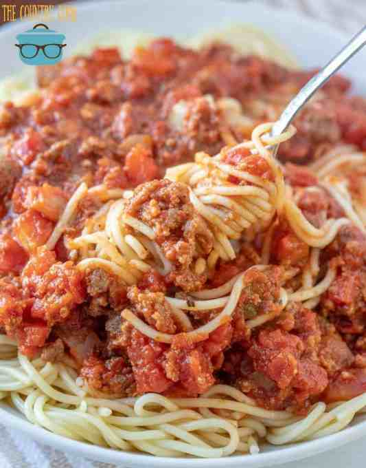 Easy Homemade Spaghetti Sauce with Ground Beef