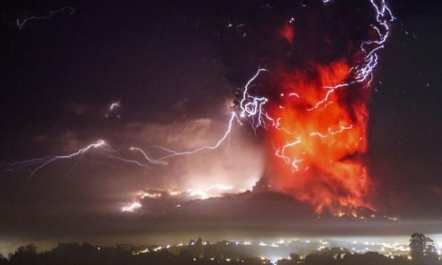 CHILE Volcano 133637