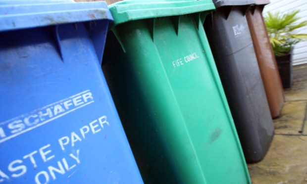 Kris Miller, Courier, 07/10/15. Picture today shows Fife Council recycling wheelie bins in Markinch for story about spread of Fife bin trial.