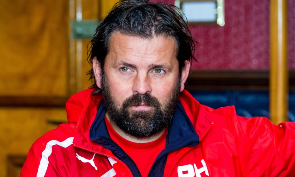 16/09/16       DENS PARK - DUNDEE    Dundee manager Paul Hartley