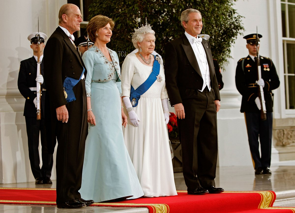The Duke of Edinburgh, Laura Bush, Queen Elizabeth II, and George W. Bush at the White House for a state banquet in 2007