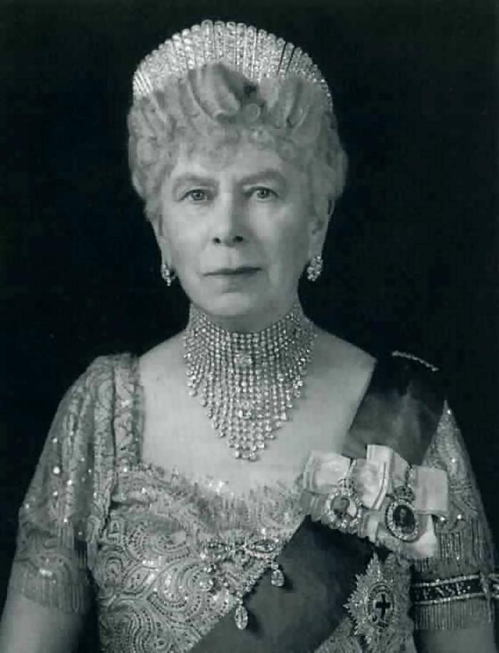 Queen Mary wears her diamond floret earrings in a portrait