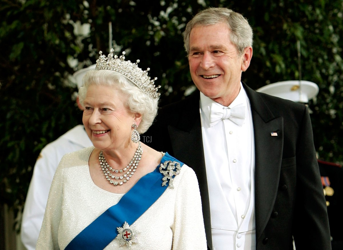 U.S. President George W. Bush (R) and Her Majesty Queen Elizabeth II arrive on the North Portico of the White House for a formal white-tie state dinner May 7, 2007 in Washington, DC. Queen Elizabeth II and Prince Phillip, the Duke of Edinburgh are on a six day trip to the United States