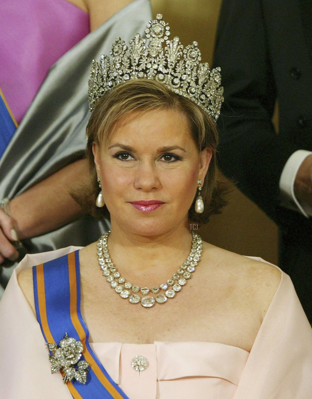 The Grand Duchess Maria Teresa of Luxemburg poses for a group photo at the Noordeinde Palace in The Hague, the Netherlands April 24, 2006. Grand Duke Henri and his wife Maria Teresa are here on a three-day visit the the Netherlands