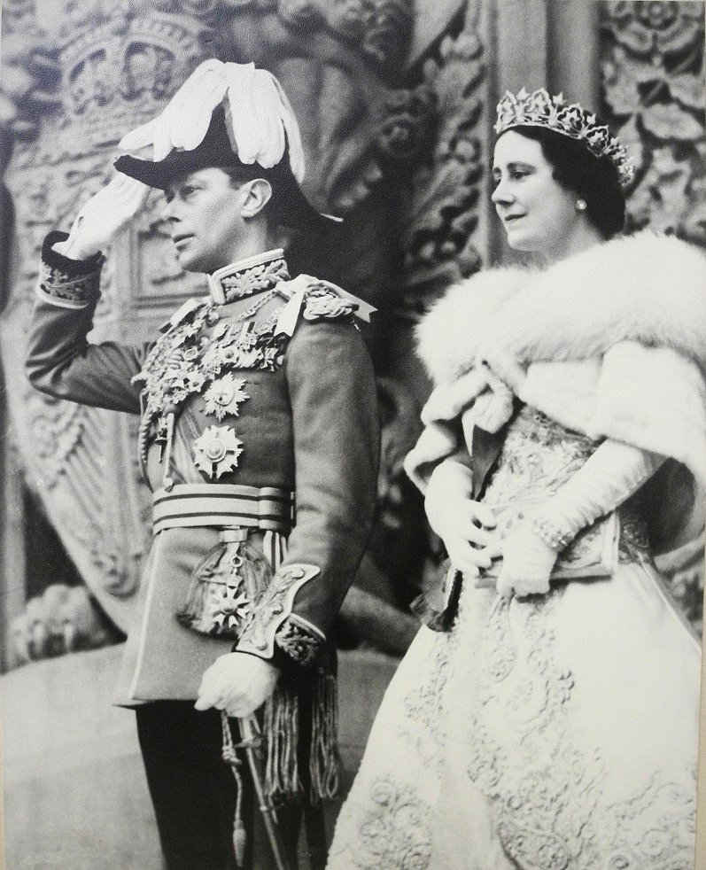 King George VI and Queen Elizabeth at the Parliament Building in Ottawa, 19 May 1939