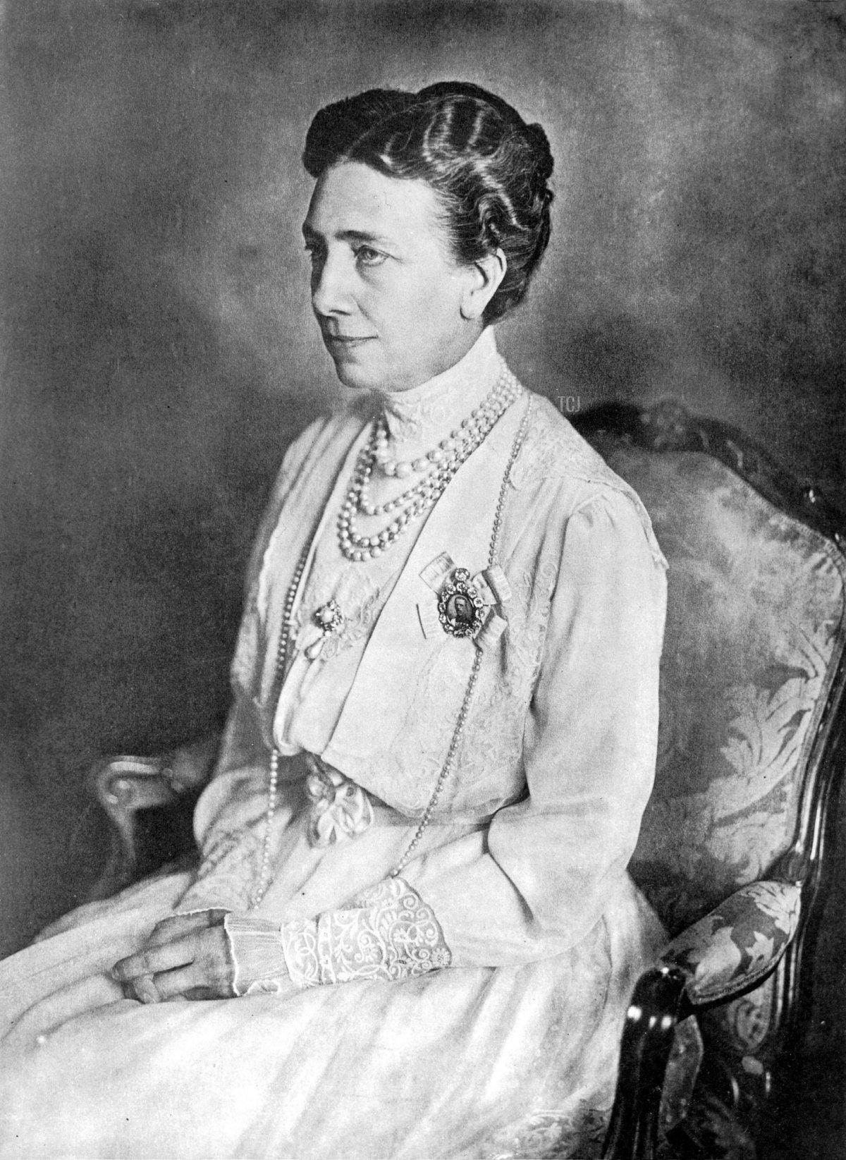 Queen Victoria of Sweden, 1926