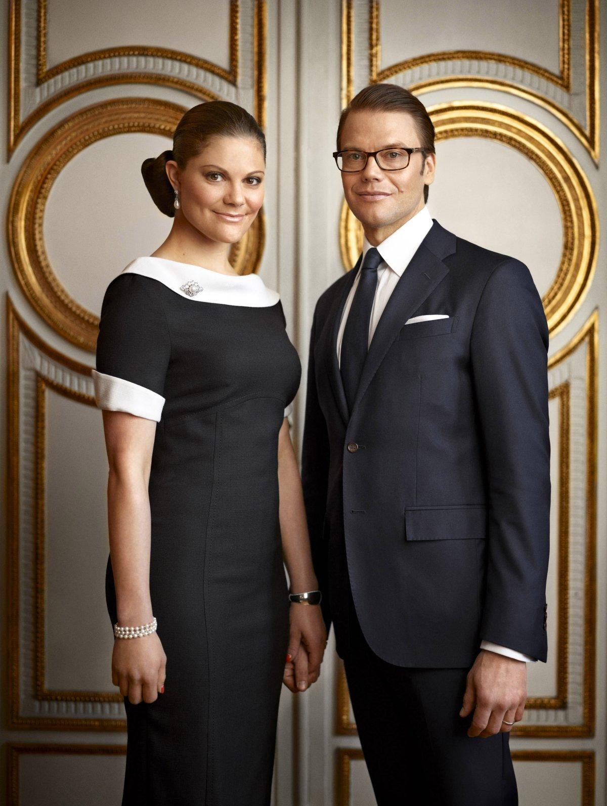 Formal portrait of Crown Princess Victoria and Prince Daniel of Sweden