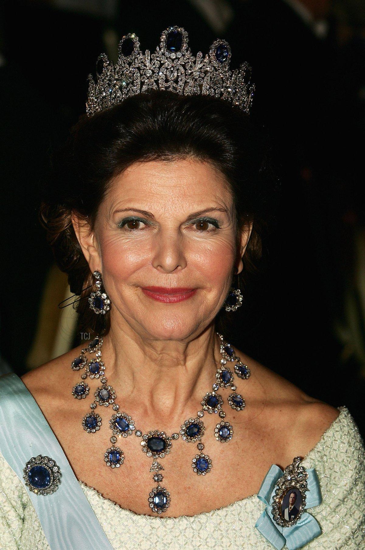Queen Silvia of Sweden attends the Nobel Banquet at City Hall on December 10, 2004 in Stockholm, Sweden