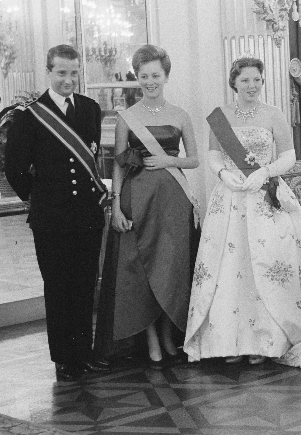 Second day of the Royal visit to Belgium, arrival and visit to Plantin Museum, May 1960
