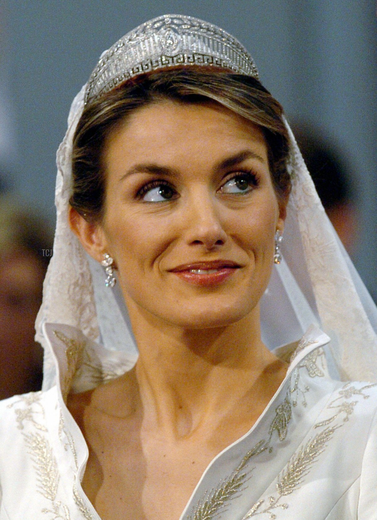 Picture taken 22 May 2004 shows newly-wed Princess Letizia standing in Madrid's Basilica of Atocha 22 May 2004