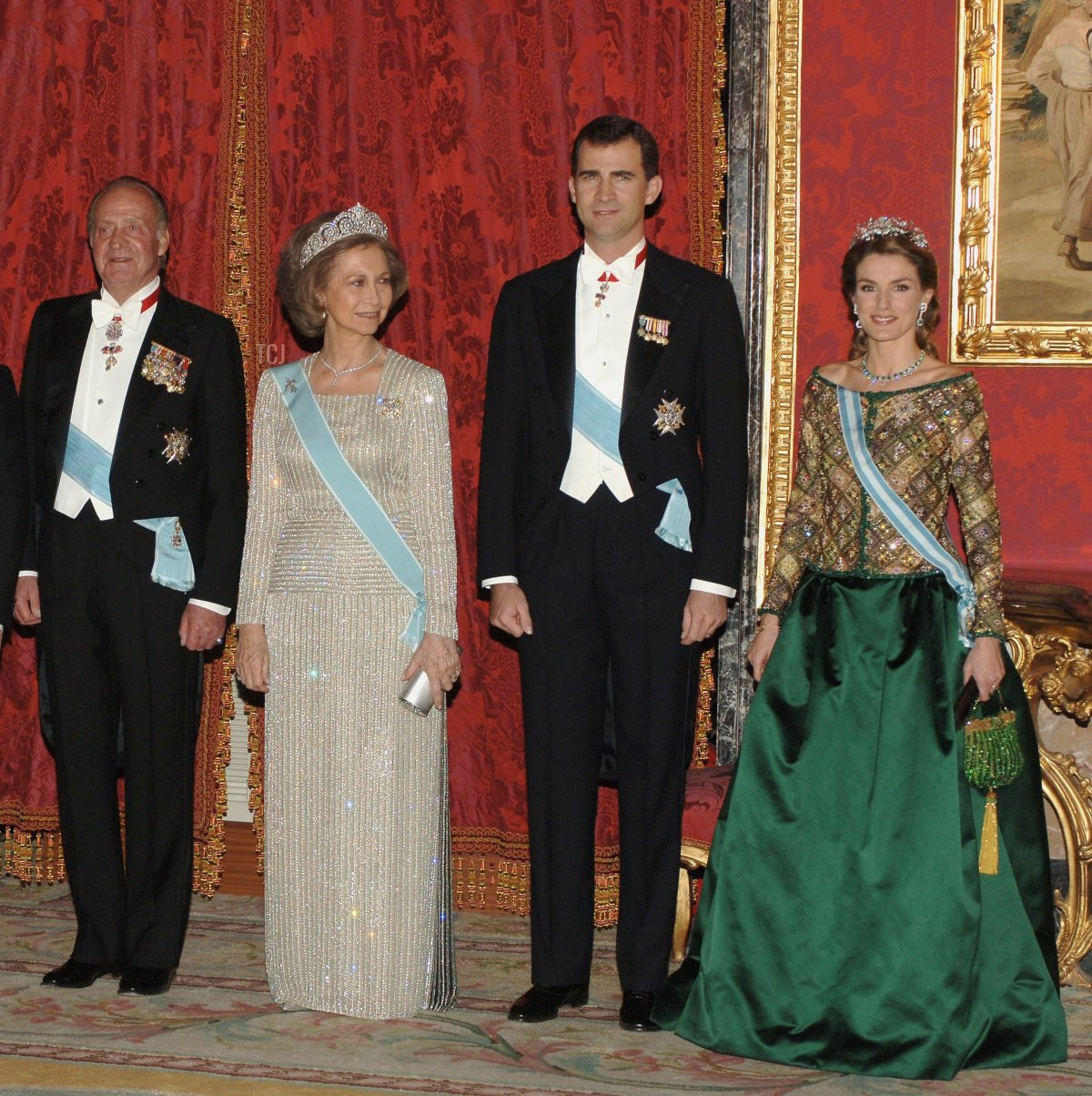 King Juan Carlos, Queen Sofia, Crown Prince Felipe and Princess Letizia of Spain attend an official dinner in honour of Russian President Vladimir Putin at the Royal Palace, on February 8, 2006 in Madrid, Spain