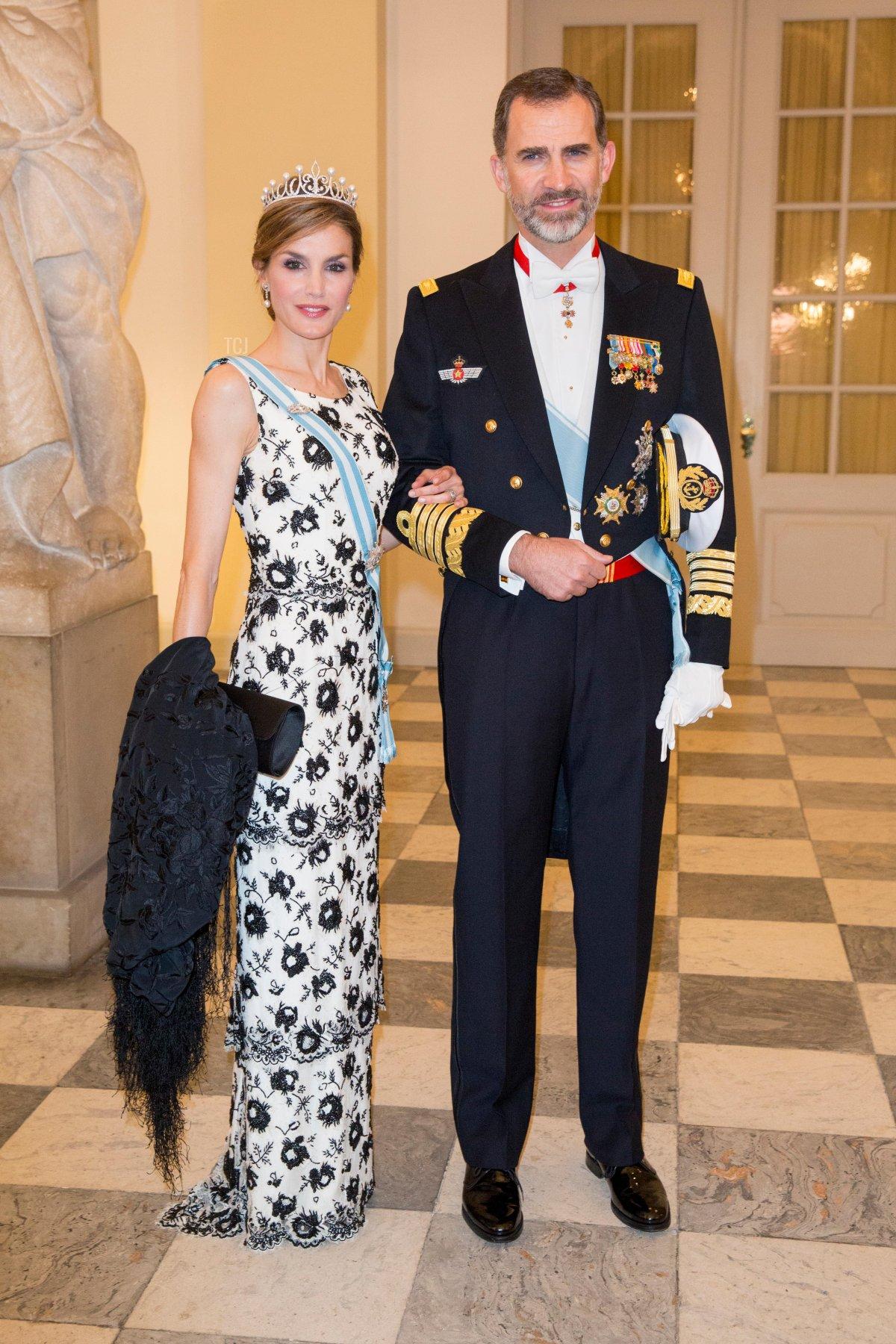 Copenhagen, Denmark. 15th Apr, 2015. King Felipe and Queen Letizia of Spain attend the gala dinner for the Danish Queen Margrethe's 75th birthday at Christiansborg Palace in Copenhagen, Denmark, 15 April 2015