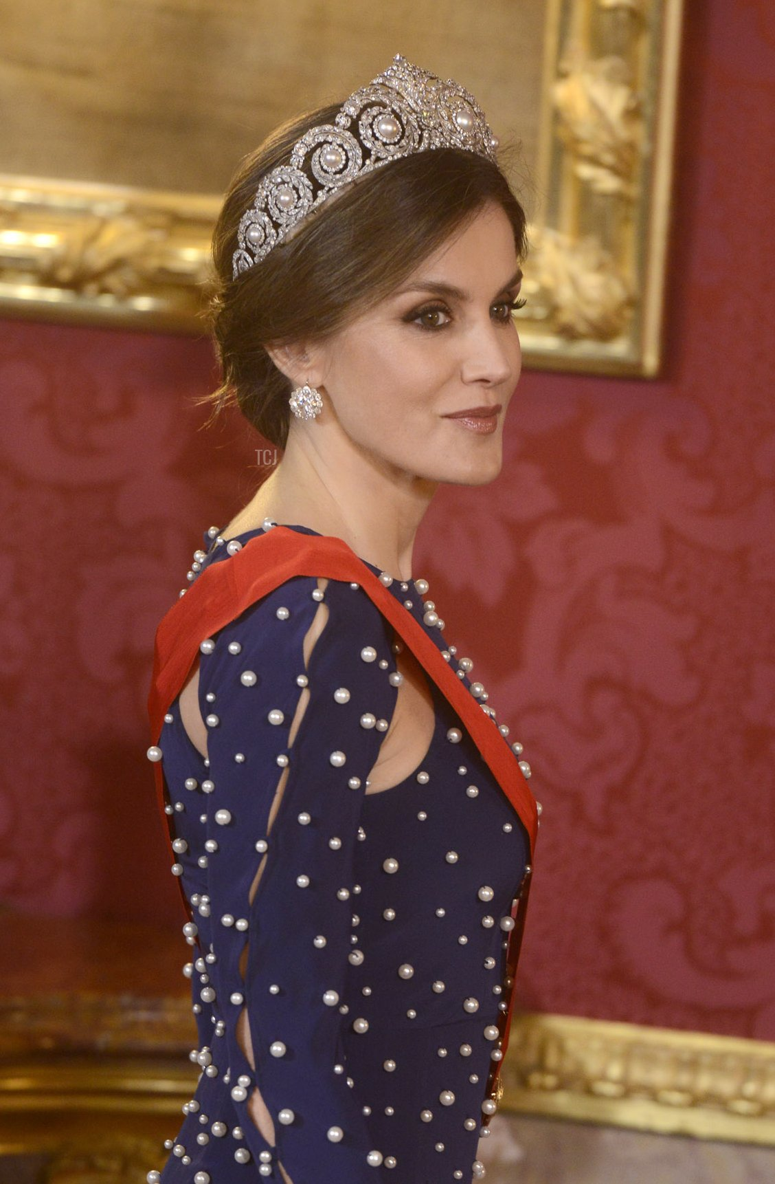 Queen Letizia of Spain hosts a dinner gala for the President of Portugal Marcelo Rebelo de Sousa at the Royal Palace on April 16, 2018 in Madrid, Spain