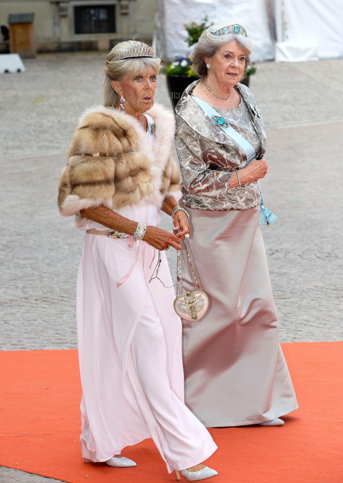 Princess Birgitta (L) and Princess Margaretha of Sweden arrive at the Royal Palace for the wedding of Prince Carl Philip and Sofia Hellqvist at the Palace Chapel in Stockholm, Sweden, 13 June 2015