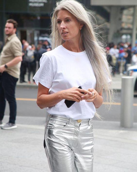 Φυσικά Γκρίζα Μαλλιά Το Κίνημα Που Μεγαλώνει
