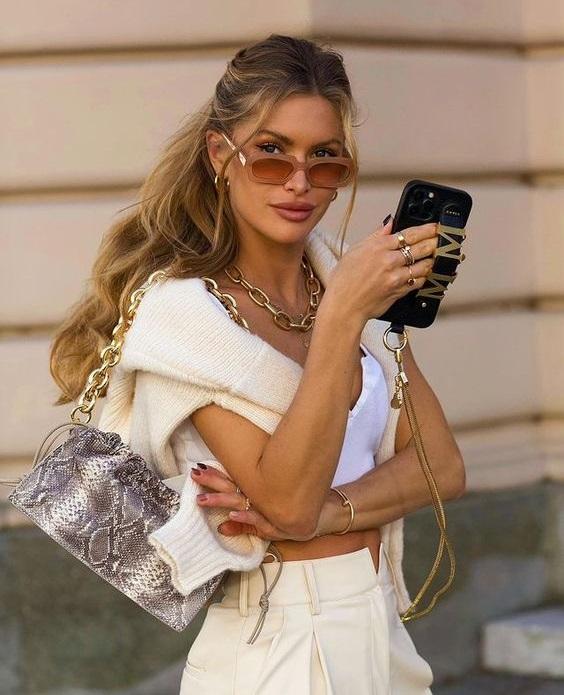 Πώς Να Φορέσεις Crop Top Μετά Τα 30 Και Να Δείχνεις Σικ