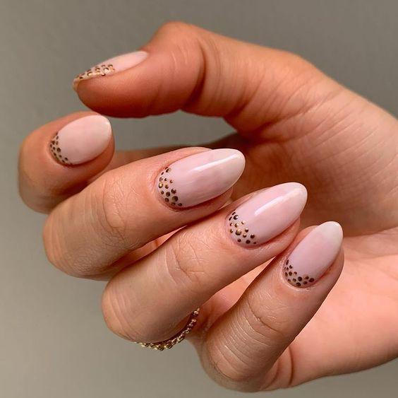 Πουά νύχια / dot μανικιούρ: σικ και μοντέρνα σχέδια - The Cover