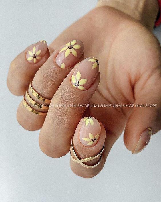 Κίτρινα Νύχια: Nail Art Που Θα Φωτίσει Τη Μέρα Σου - The Cover