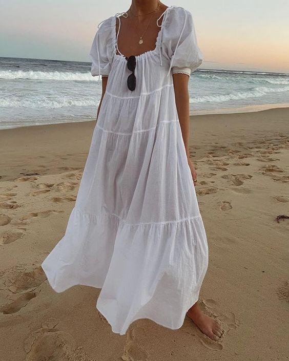 Ντύσιμο-για-παραλία-μακρύ-λευκό-φόρεμα-loose