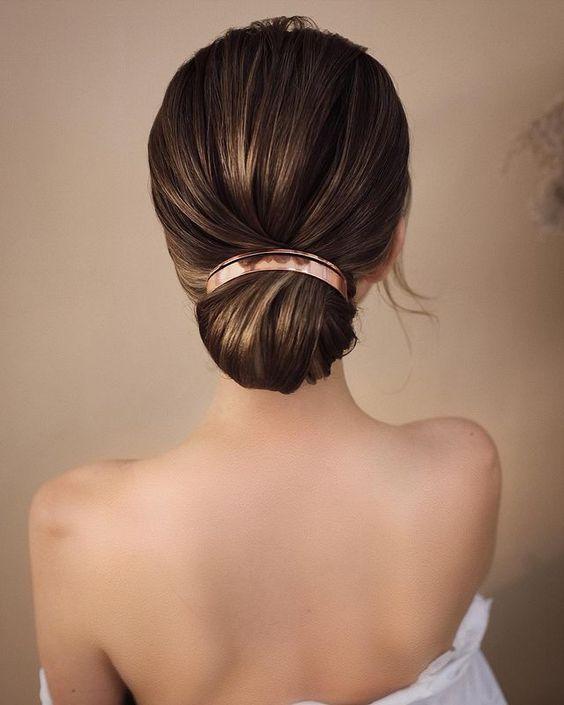 Νυφικά χτενίσματα με αξεσουάρ μαλλιών: Φανταστικές Ιδέες - The Cover