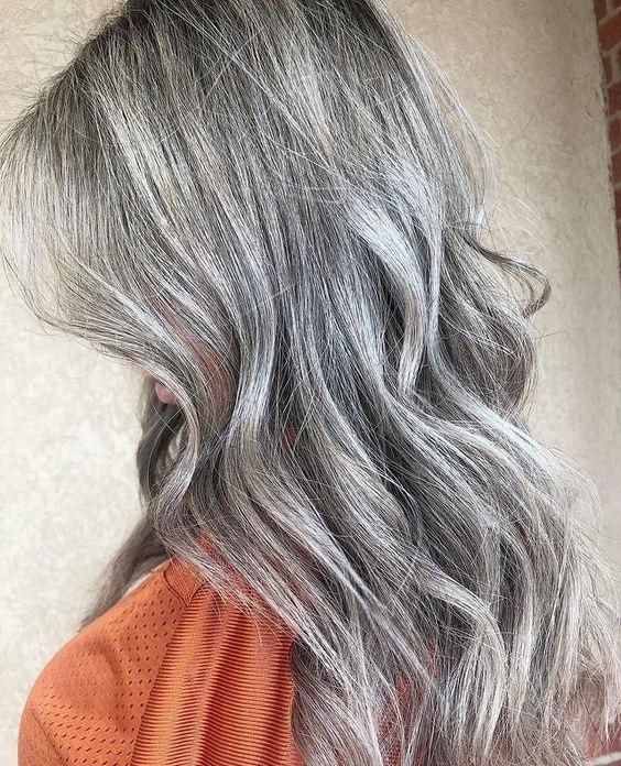 Πώς να φροντίσεις τα γκρίζα μαλλιά - The Cover