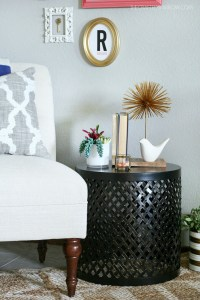 end table decor ideas | Brokeasshome.com