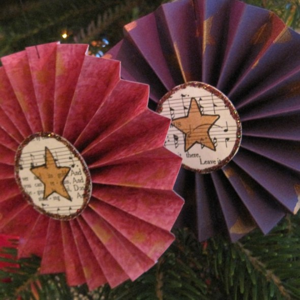 Stenciled rosette Christmas ornaments TCW2156 TCW655 LEFKO
