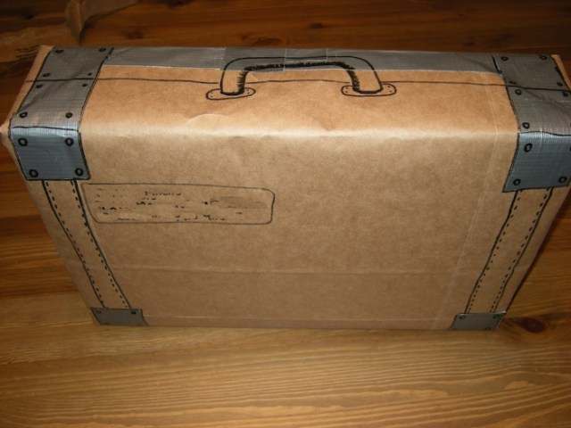 mail_box_suitcase
