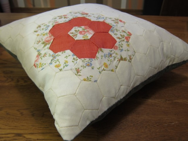 hexagon_pillow_case_1