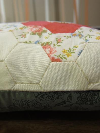 hexagon_pillow_case_5