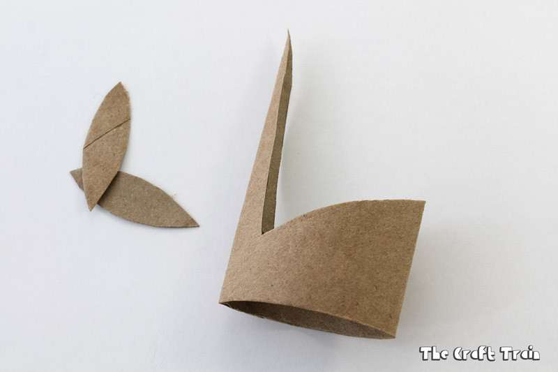 Instructions for how to make toilet roll swans