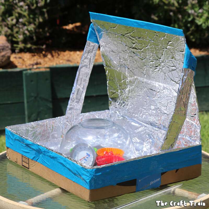 Create your own solar oven from a repurposed cardboard box