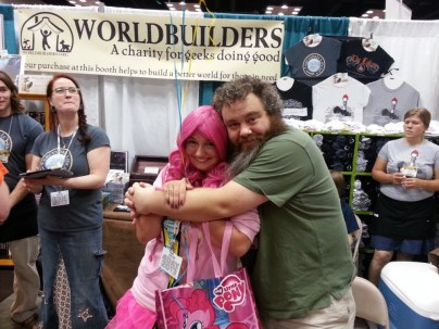 AAAH PATRICK ROTHFUSS HUGGED ME *flails*