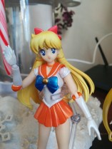 Sailor Venus, looking cheery.