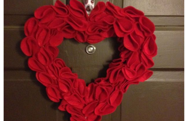 DIY Valentines Felt Flower Wreath