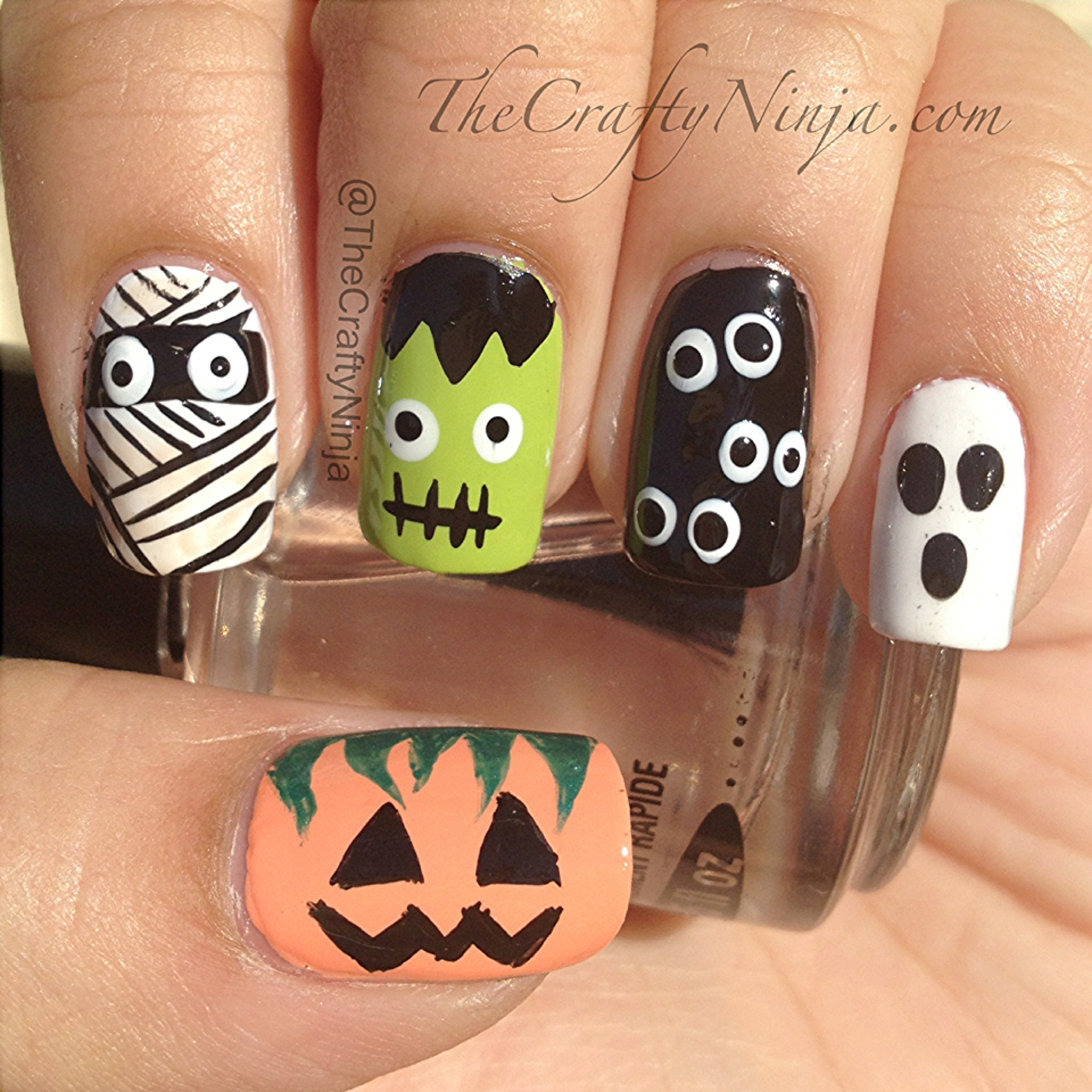 Halloween Nails DIY | The Crafty Ninja