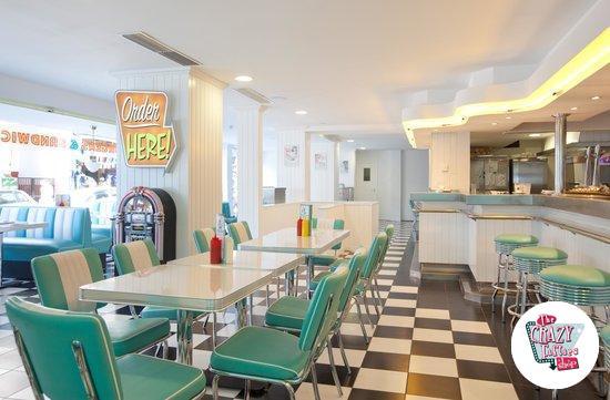 Mobiliario Retro Diner Americano y Jukebox