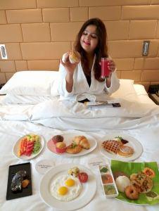 Brreakfast in bed at Courtyard by Marriott, Hebbal.