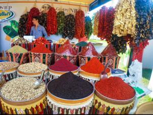 Gaziantep's local markets are a treasure trove of colours, flavours and unique items.
