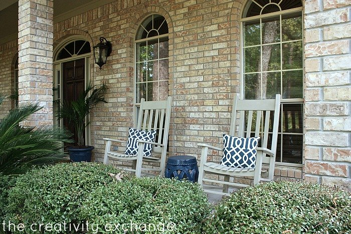 Rocking chairs spray painted with Rustoleum Fossil in satin {The Creativity Exchange}
