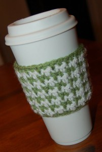 Houndstooth Coffee Cozy by A Crocheted Simplicity