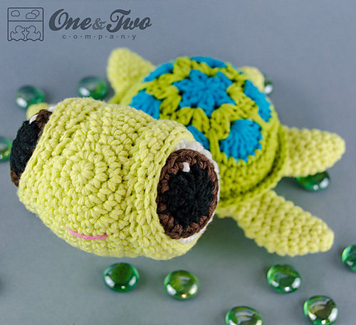 Bob the Turtle Amigurumi by One and Two Company